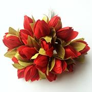 Тюльпаны красные с зелеными листиками