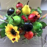 урожайная корзинка из фруктов