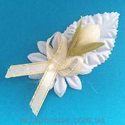 Декоративная композиция с кремовым тюльпаном