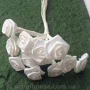 Розы атласные белые, на проволоке