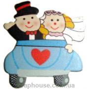 Деревянные аппликации Новобрачные в машине