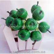 Яблочки зеленые на проволоке