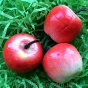 Яблоко красно-белое декоративное мини