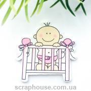 Деревянная аппликация  Малыш в розовой кроватке