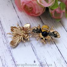 Модная брошь Пчела с желтым брюшком