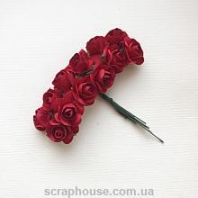 Розы бумажные красные