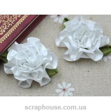 Розы атласные пышные белые
